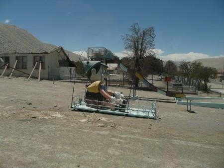 Seit 2008 spielt keiner mehr mit dem Pinocchio aufm Spielplatz in Chuquiamata