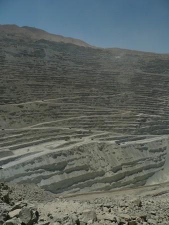 800 meter tiefe Tagbau Kupfermine in Chuquicamata
