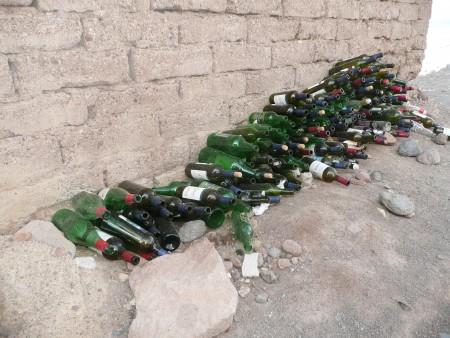 Altglassammlung im Refugio San Bernardo (Bolivien)