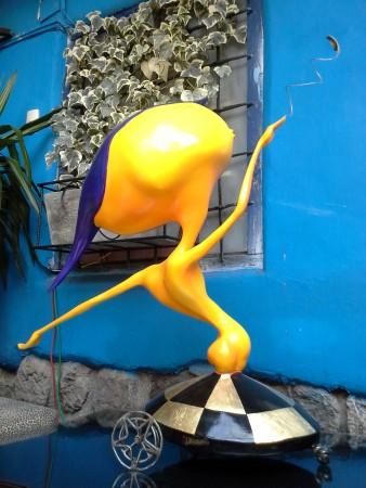 Gelber Grosskopf-Kiter - peruanische Kunst im Fallen Angel (Cusco)