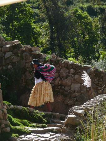 Beschwehrlicher Weg nach oben ins Dorf