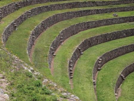 Treppen zwischen den Terrassen von Moray
